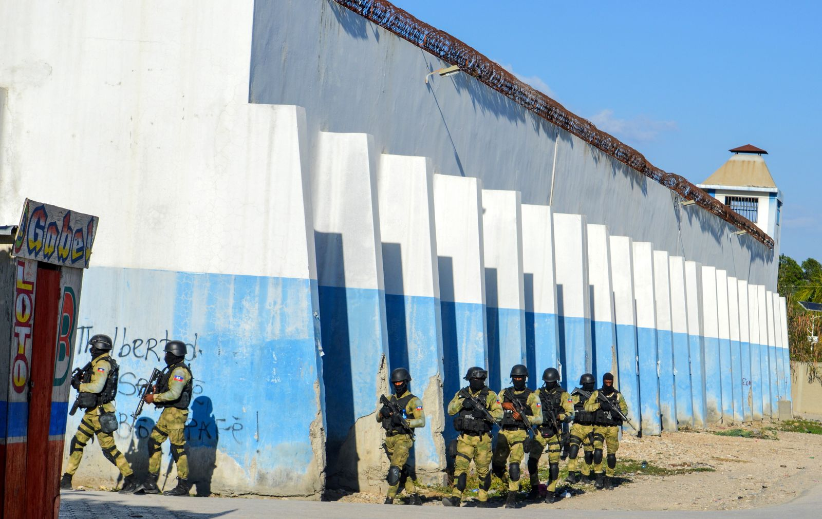 At least seven dead following prison break in Haiti