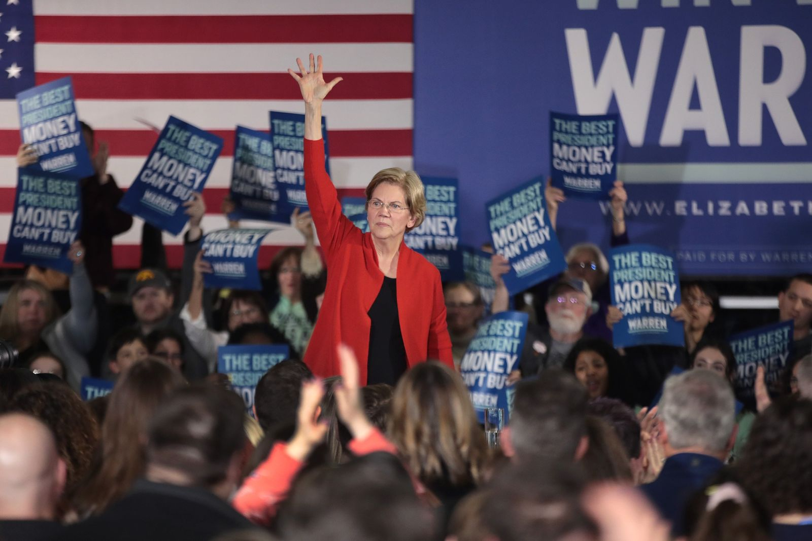 Presidential Candidate Elizabeth Warren Campaigns In Eastern Iowa