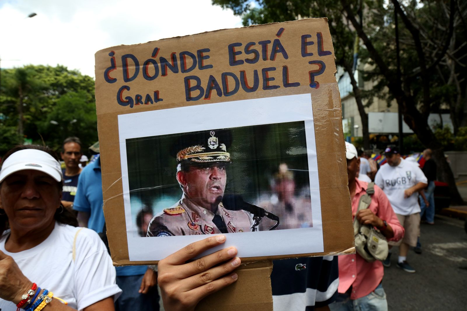 Opposition And Officialism Demonstrate On Venezuela's Independence Day