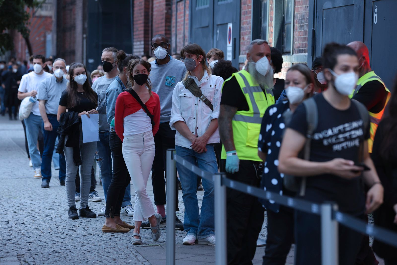 Berlin Hosts Vaccination Party With DJs