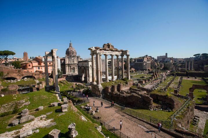 Übersicht über das Forum Romanum, wo die unterirdische Kammer mit dem Sarkophag bereits Ende des 19. Jahrhunderts entdeckt wurde