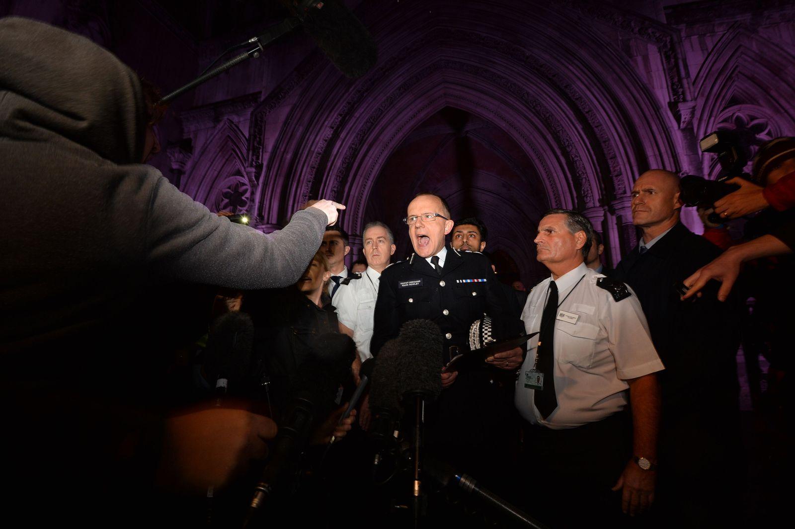 BRITAIN-UNREST-COURT-POLICE