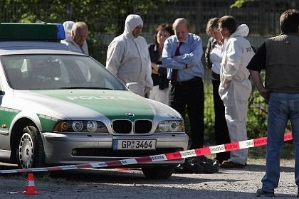 Police investigate the scene of the 2007 Heilbronn murder in this file photo.