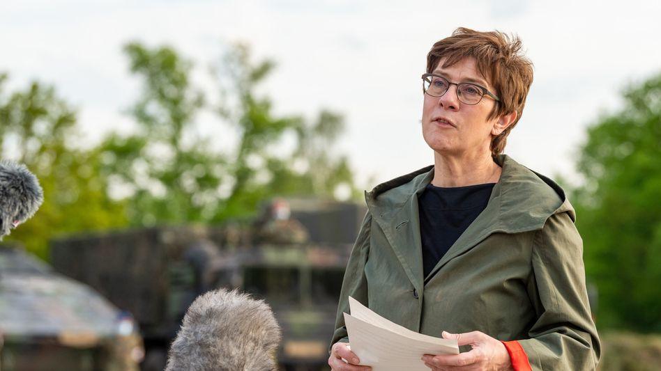 Verteidigungsministerin Kramp-Karrenbauer: »Eine der Lehren, die ich ziehe«