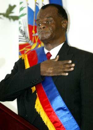 Boniface Alexandre: Der Richter am Obersten Gerichtshof bei seiner Amtseinführung als Haitis Übergangspräsident