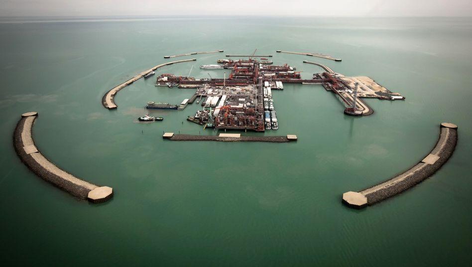 Kasachisches Ölfeld im Kaspischen Meer
