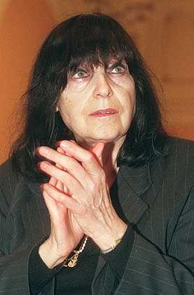 "Preisträgerin Mayröcker: ""Es war mir zu blöd"""