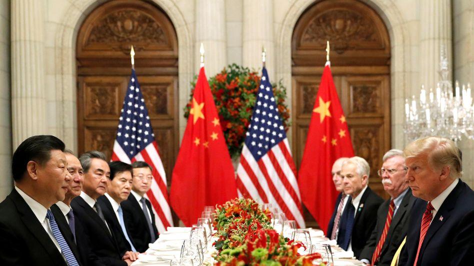 US-Präsident Trump (r.) Xi Jinping während des G20-Gipfels in Buenos Aires im Dezember 2018
