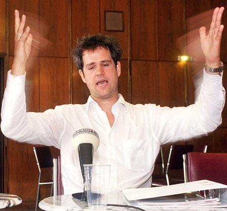 Probt schon Politikerposen: Schlingensief