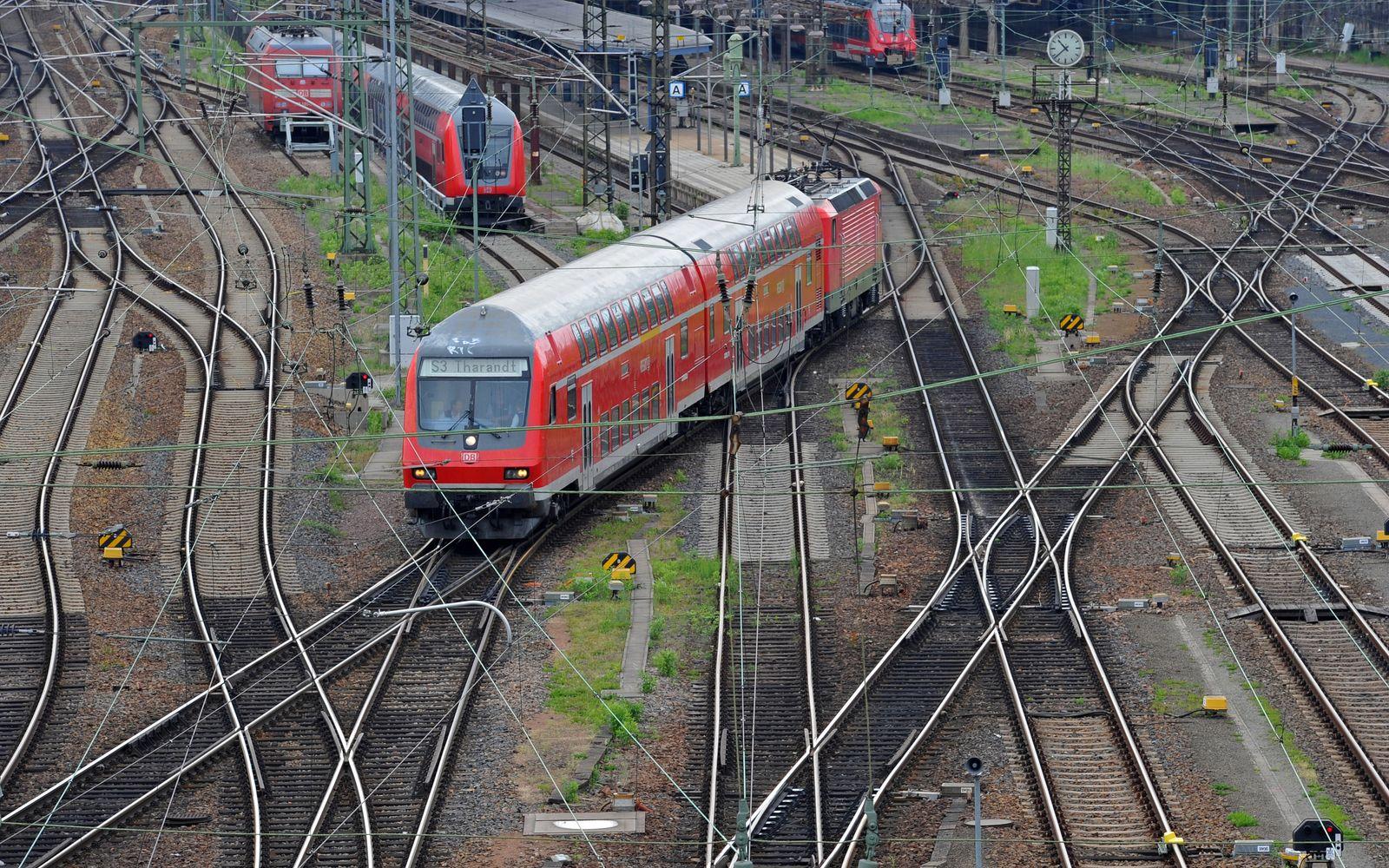 Zug Bahnstreik Gleise