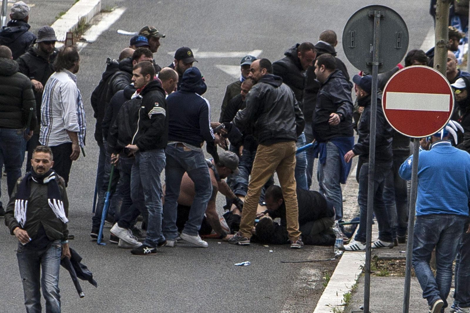Clashes before the Italian Cup final between AC Fiorentina and SS