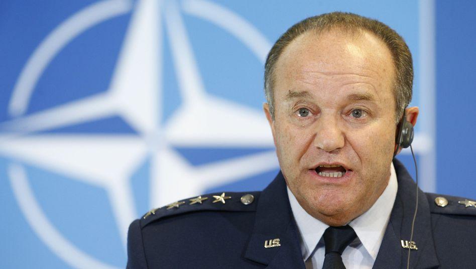 """Nato-Oberbefehlshaber Breedlove: """"Es verbleiben russische Kräfte innerhalb der Ostukraine"""""""