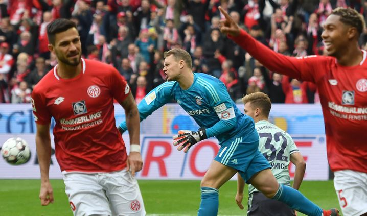 Manuel Neuer ärgert sich über den Ausgleich