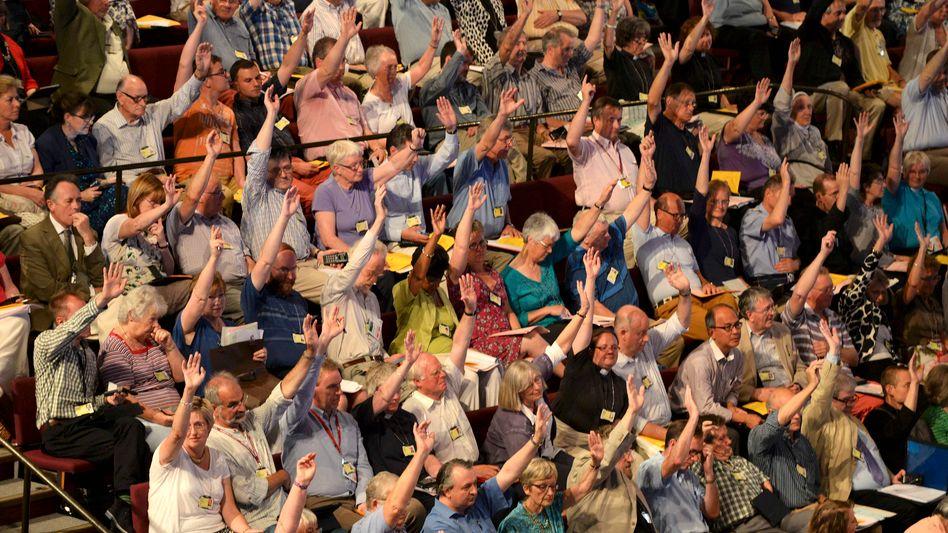 Abstimmung bei der Synode in York: Breite Zustimmung für Bischöfinnen