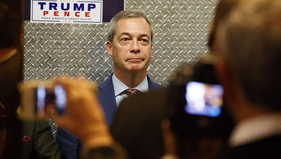 Nigel Farage im Aufzug des Trump Towers