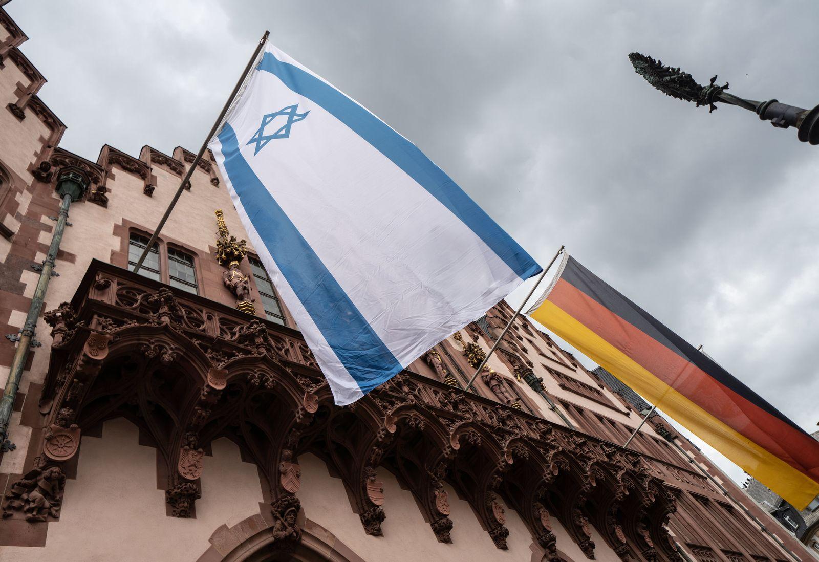Israelische Fahne am Frankfurter Römer