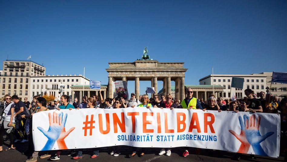 #Unteilbar-Demonstration gegen Rassismus, Berlin 2018: Antifaschismus gehört nicht in die linke Ecke