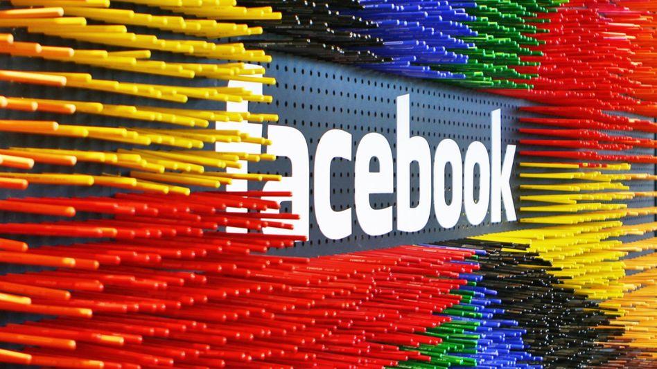 Facebook-Logo (in Dublin): Der Jahresrückblick kommt nicht bei jedem gut an