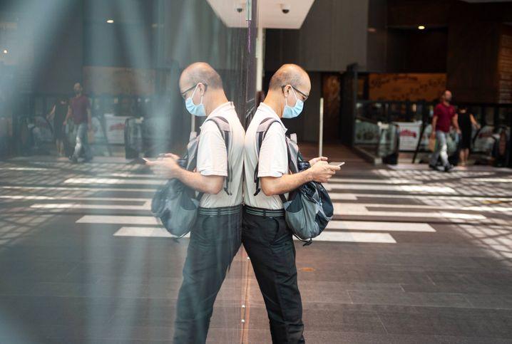 Handynutzer in Singapur