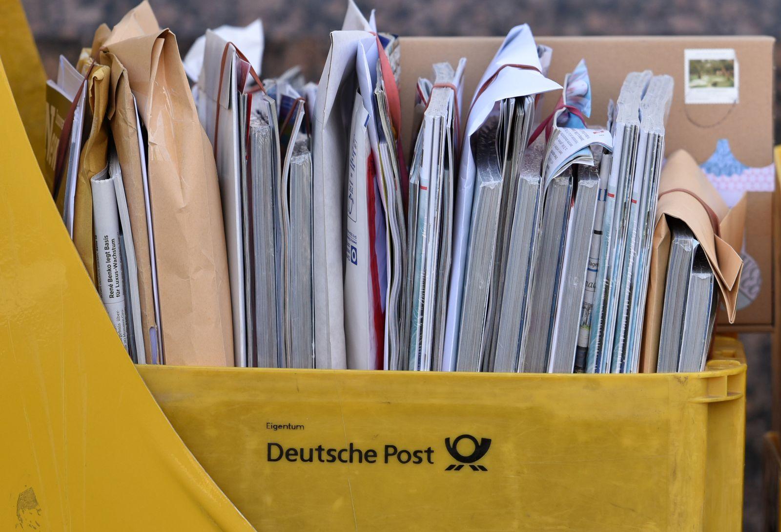 Poststreik/ Briefe/ Sortierung