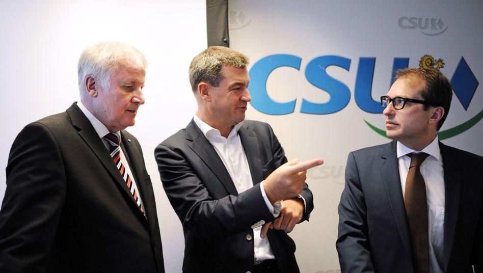 CSU-Politiker Seehofer, Söder, Dobrindt (v. l. n. r.)