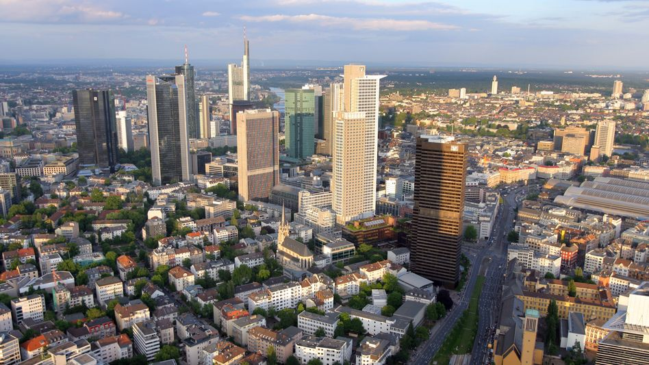 Frankfurter Skyline: Düstere Aussichten für Deutschlands Banken