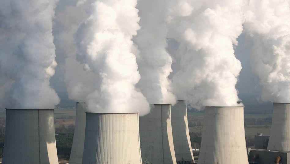 """Kraftwerk Jänschwalde (November 2006): """"Einer der Lösungsansätze in der Klimaproblematik"""""""