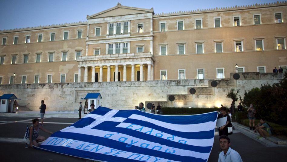 Das Parlamentsgebäude in Athen: Griechenland benötigt neues Geld vom IWF