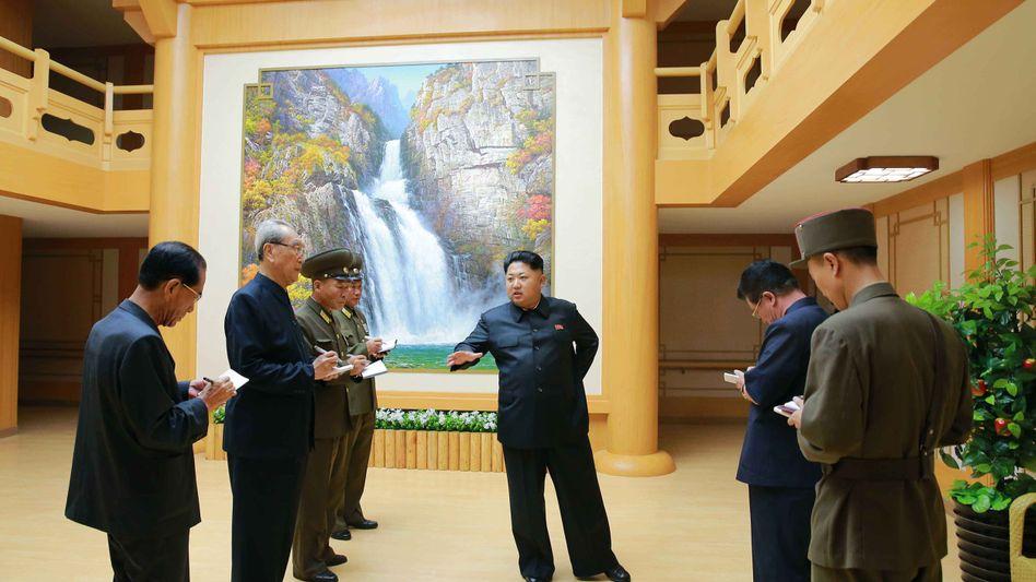 """Diktator Kim in Pjöngjang: """"Die Einheiten an der Front sollen in einen Kriegszustand eintreten"""""""