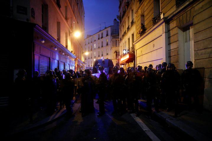 Polizisten in Paris