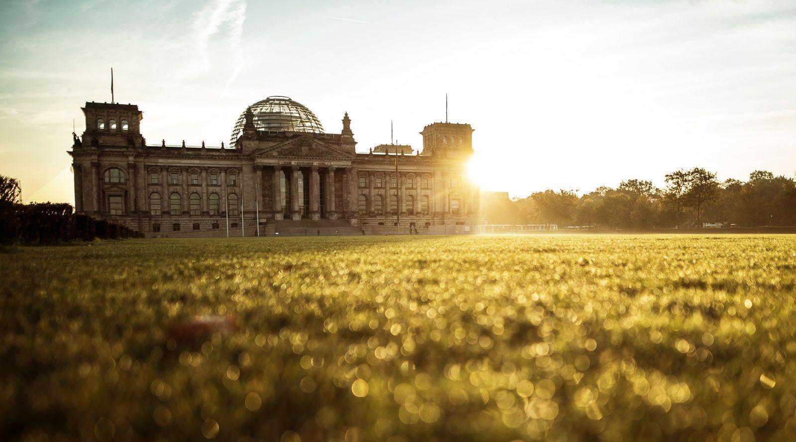 Reichstag am Morgen. Berlin, 21.10.2019. Berlin Deutschland *** Reichstag am Morgen Berlin, 21 10 2019 Berlin Germany PU