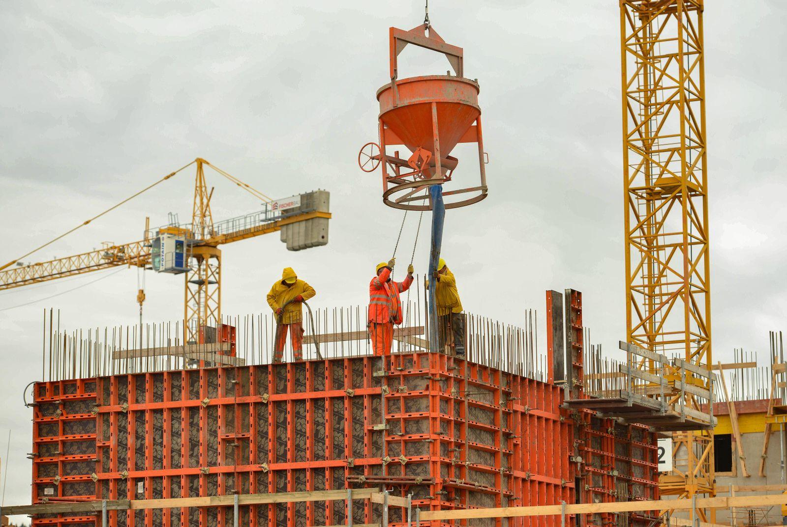 EINMALIGE VERWENDUNG Deutschland Konjunktur / Wirtschaft / Baustelle / Bauarbeiter