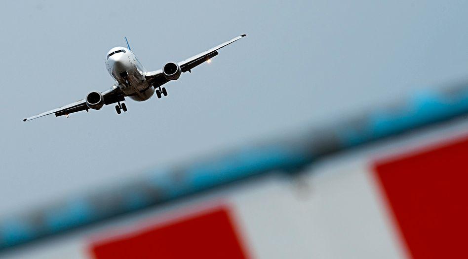 Flugzeug über Berlin (Archivbild)