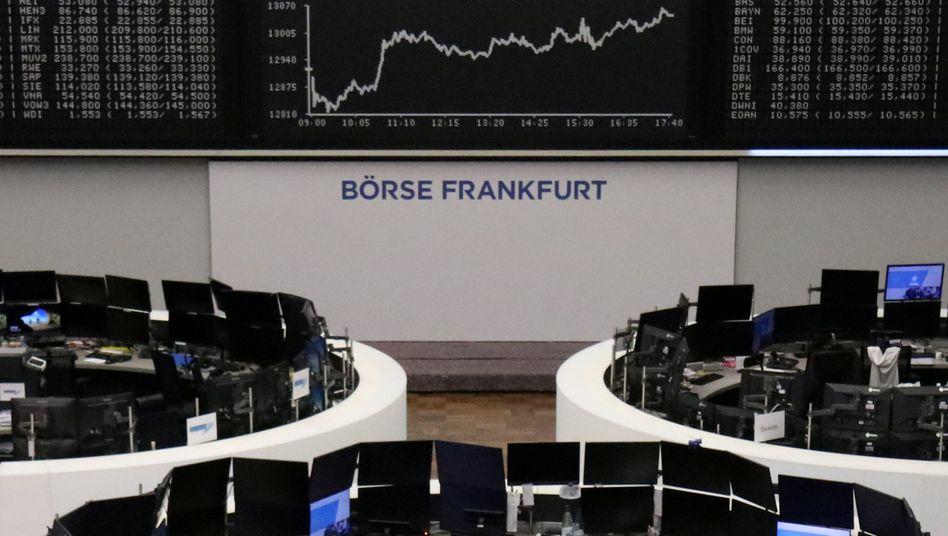 Aufwärtstrend an der Frankfurter Börse: Der Dax schloss bei 13.046 Punkten