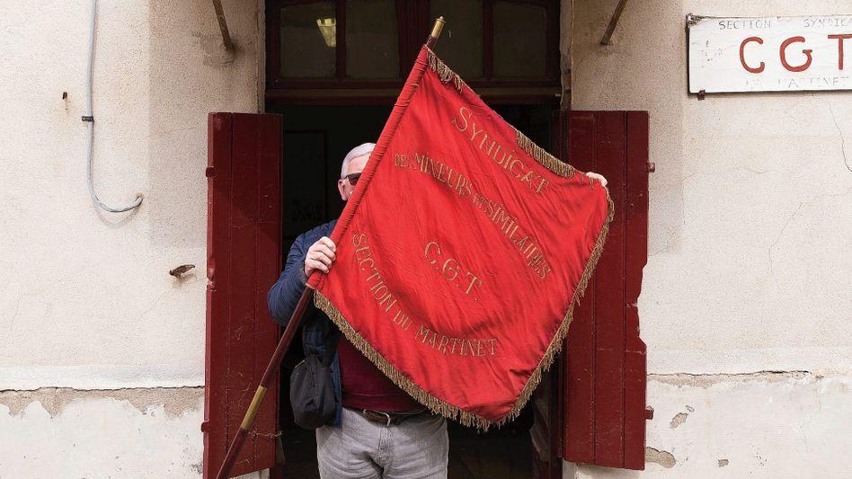 Michel Bulcourt, Partei- und Gewerkschaftssekretär