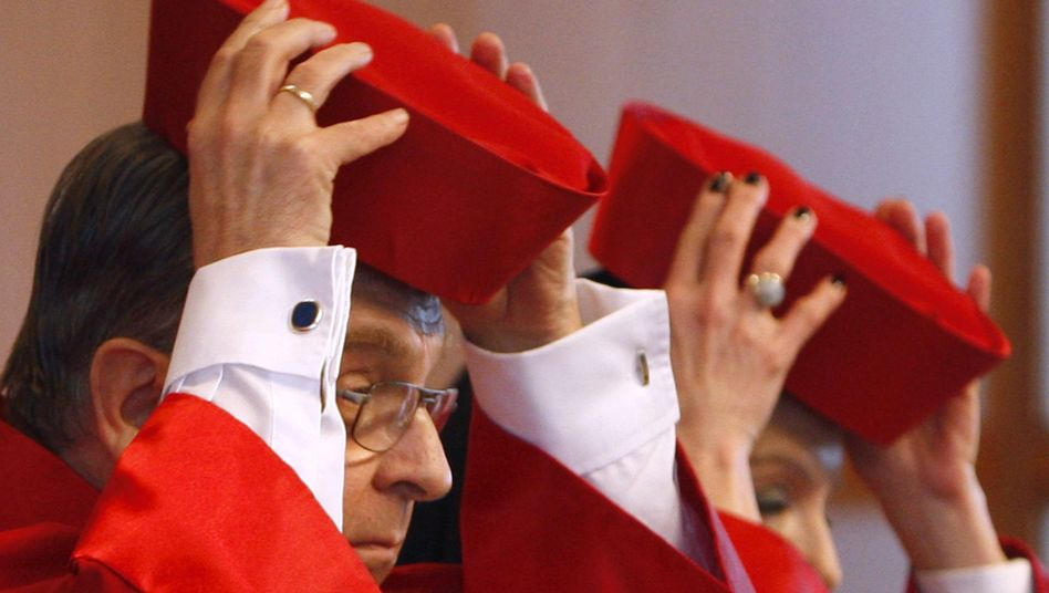 Constitutional judges in Karlsruhe: Are changes to Germany's cherished consititution afoot?