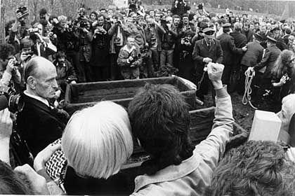Stuttgart 1977: Beisetzung von Baader, Ensslin und Raspe