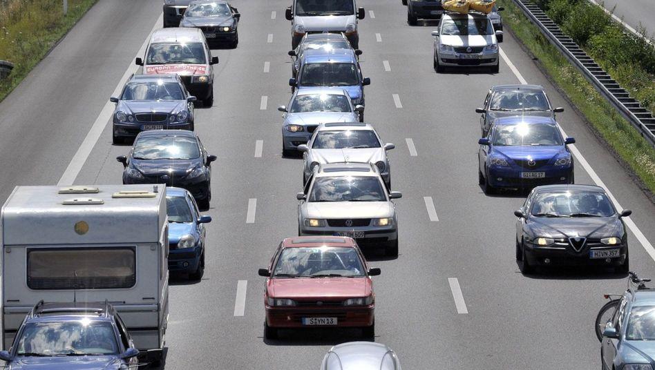 Fahrzeuge auf der A7: Kommt die Pkw-Maut?