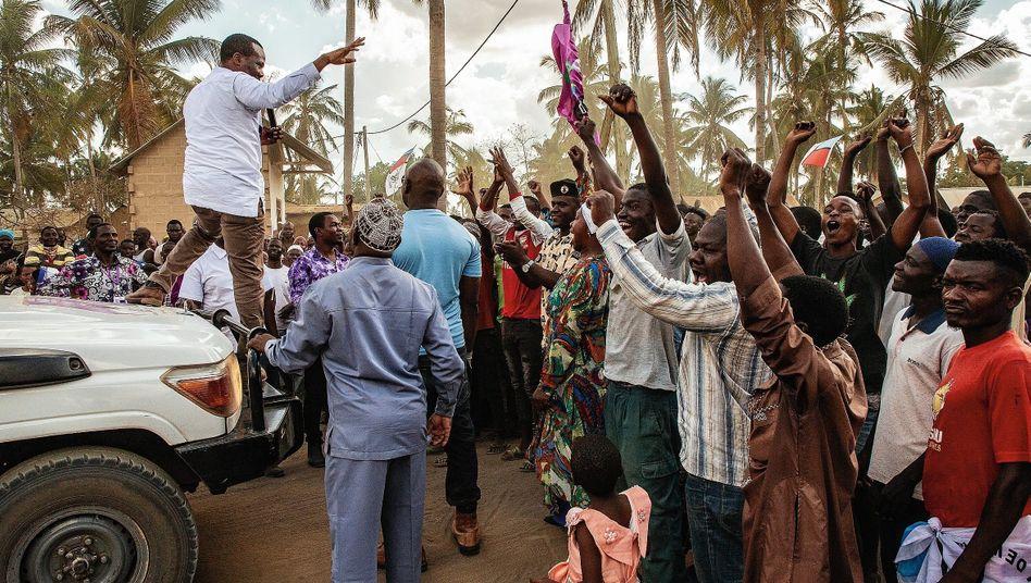 Oppositionspolitiker Kabwe, Anhänger in Mtwara:Die Freiheitsrechte der Bevölkerung werden immer brutaler beschnitten