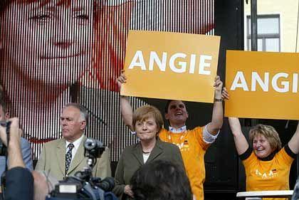 """Kanzlerkandidatin Merkel: Mit """"Angie"""" Stimmung machen"""
