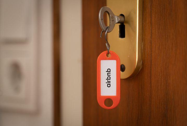 Wer hohe Einnahmen aus der Vermietung über Airbnb erzielt, muss diese bei der Steuer angeben