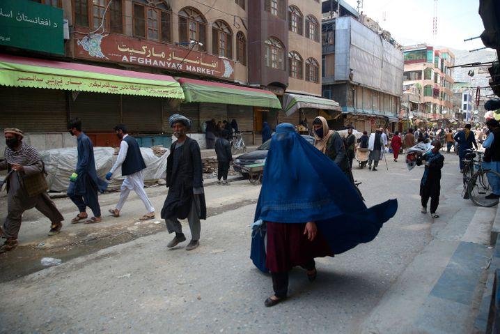 Auch in Kabul haben wegen der Corona-Pandemie die Geschäfte geschlossen. Die Taliban spielen sich als Helfer in der Krise auf