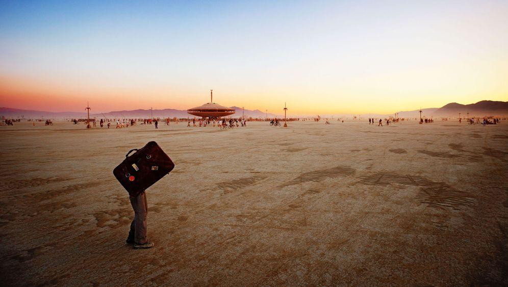 """""""Burning Man"""": Kleine und große Wüstenkunst"""