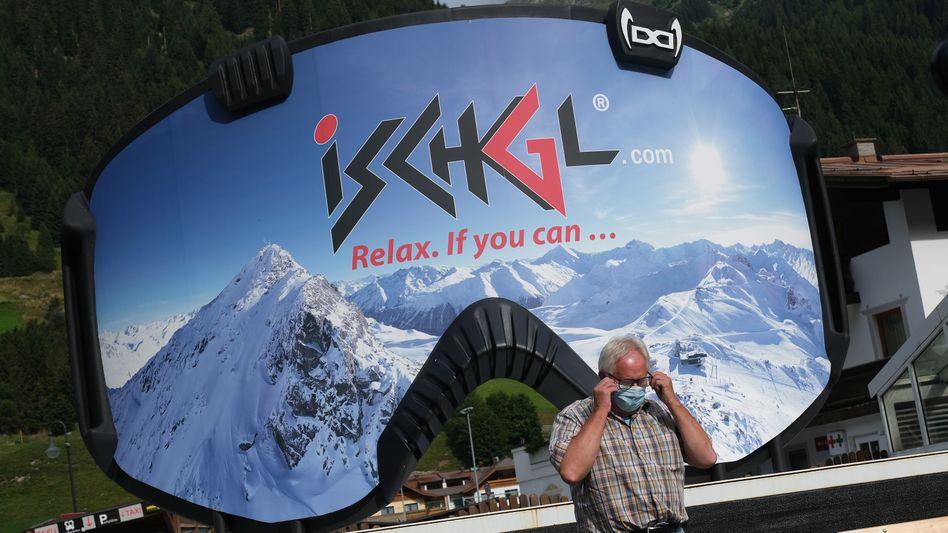 Werbung im Skiort Ischgl in Tirol