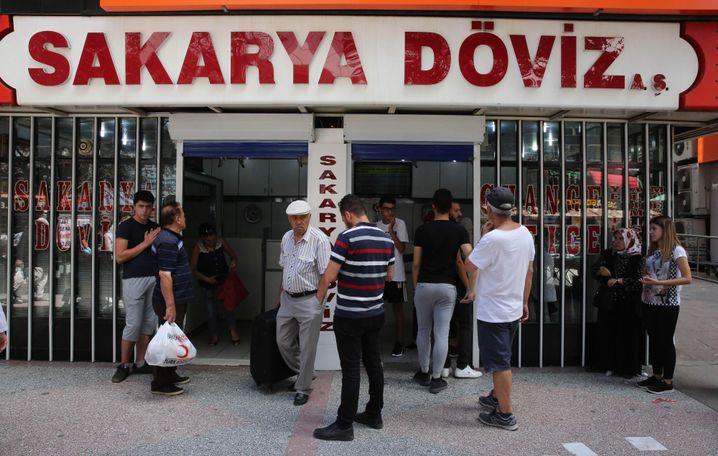 Wechselstube in Ankara: Lira im freien Fall