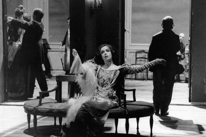 Jutta Lampe in Peter Steins »Kirschgarten«-Inszenierung, Schaubühne am Lehniner Platz, 1989