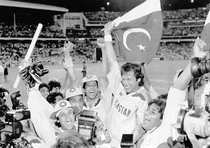"Imran Khan (holding the flag) after Pakistan won the cricket World Cup in 1992: ""I had to do a lot of out-of-the-box thinking."""