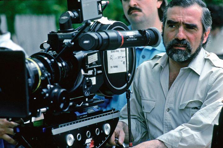 """Scorsese bei den Dreharbeiten zu """"Goodfellas"""" von 1990"""