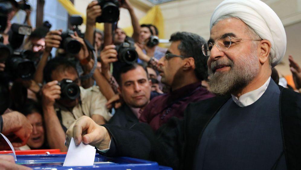 Wahlen in Iran: Ein Geistlicher liegt vorn