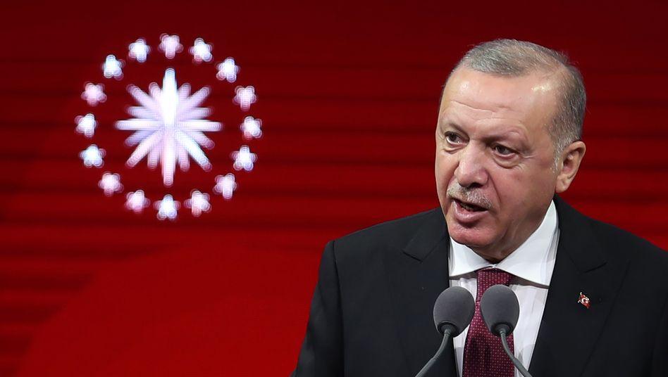 """Präsident Erdoğan: """"Die Türkei wird Seite anSeite mit ihren aserbaidschanischen Brüdern stehen"""""""